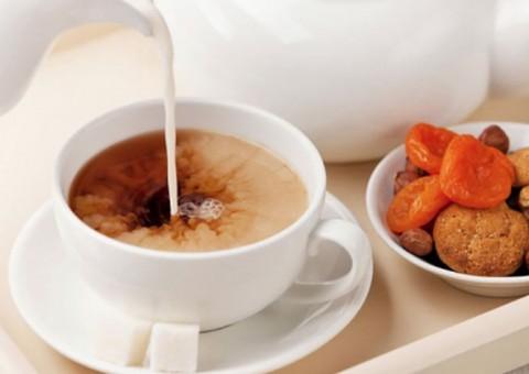 Чай с молоком. За и против