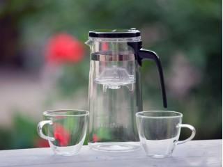 Набор KAMJOVE K-302: стеклянный чайник 750 мл + 2 чашки 150 мл