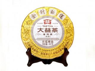 Шу Пуэр Мэнхай Да И Золотые иглы и белый лотос 2014 года 357 г